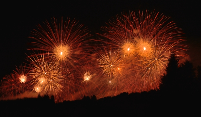 CANADA'S LARGEST FIREWORKS DISPLAY #2 Fort William Historical Park July 21, 2017