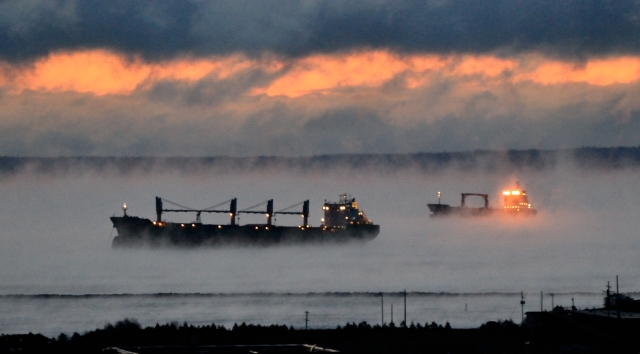 2 SHIPS DAWN MISTY ANCHOR