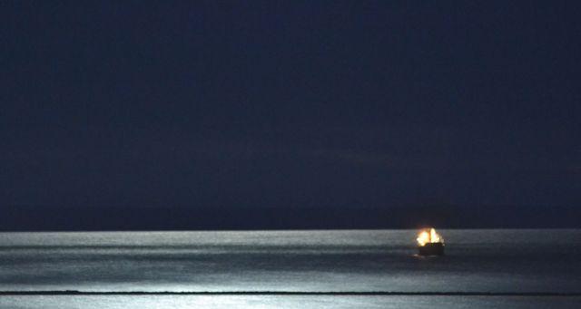 LIT MOONLIGHT SHIP
