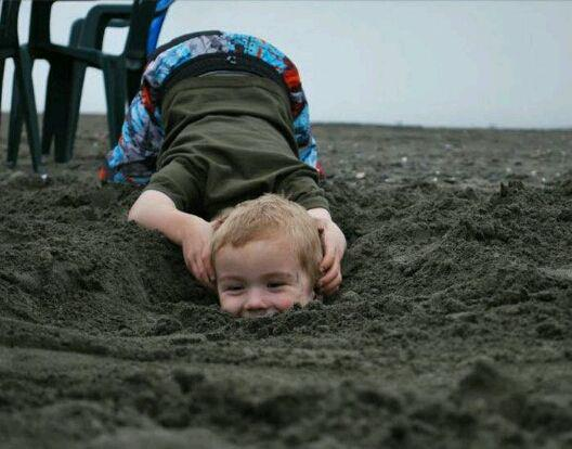 kid head in sand