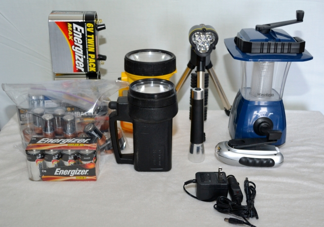 _DSC0051 flashlights batteries